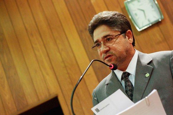 Presidente da ALEPI propõe que deputados-candidatos a Conselheiro do TCE não participem da votação