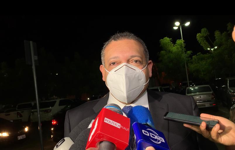 STF interrompe julgamento do decreto sobre armas por pedido de vista de Nunes Marques