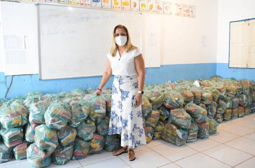 Neidinha Lima(PSD), realiza a entrega de Kits de Alimentação nas escolas da rede municipal