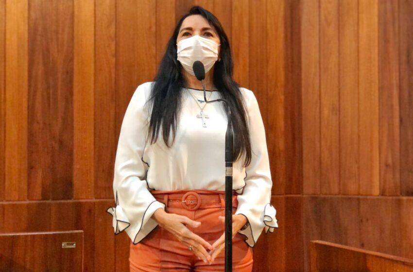 Auxílio proposto pela deputada Teresa Britto vai garantir R$ 500 para órfãos da pandemia