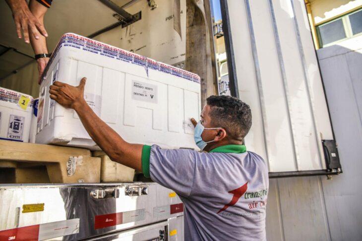126 mil doses de vacinas chegam ao Piauí nesta sexta-feira (20)