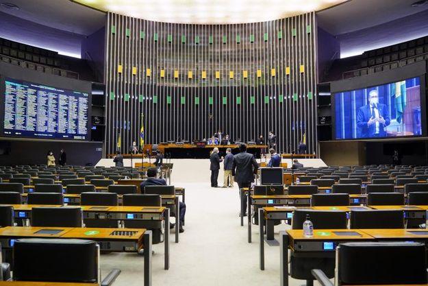 Câmara vota nesta terça-feira(03) a MP dos contratos de trabalho na pandemia