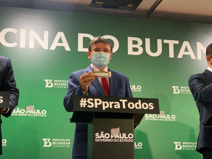 Governador compra Coronavac e Piauí vai receber 500 mil doses de vacinas