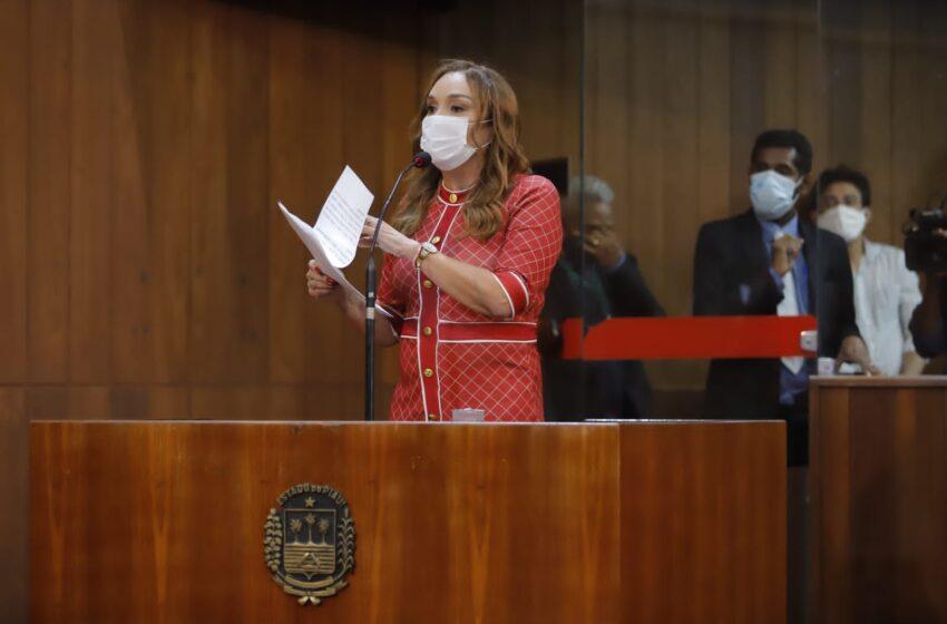 Com 17 votos, Deputada Flora é eleita conselheira do TCE-PI