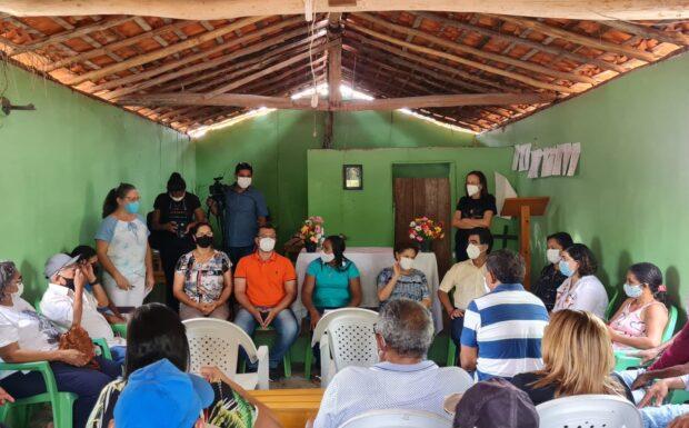 Regina Sousa entrega títulos de terra em Esperantina