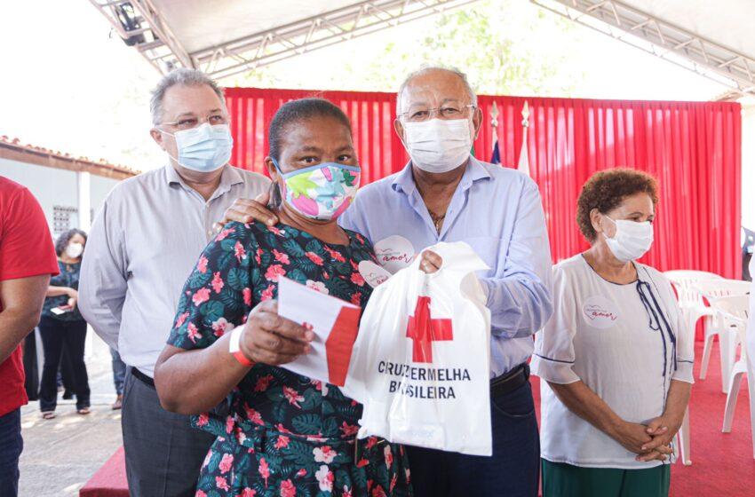 Dr. Pessoa e Governador participaram da entrega de cartões alimentação para famílias carentes de Teresina