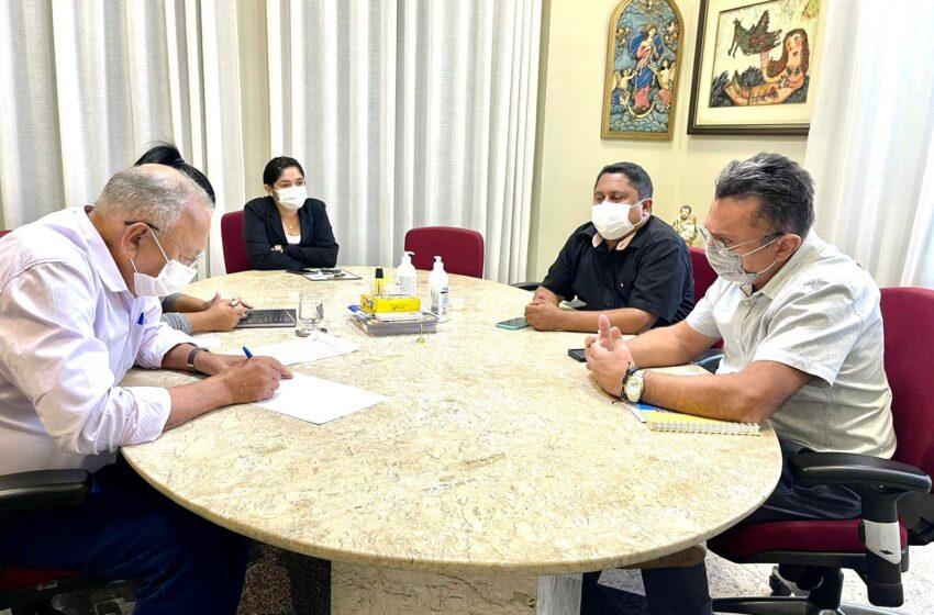 Vereador Dudu trata com Dr. Pessoa sobre PL que proíbe uso de cigarros eletrônicos e qualificação profissional