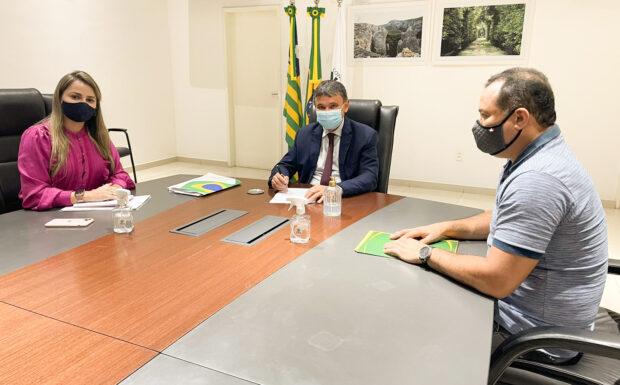 Deputado Evaldo Gomes discute com Governador expansão do metrô até Altos