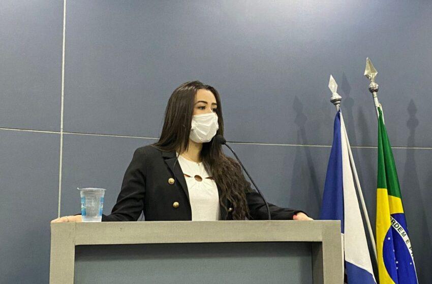 """Vereadora Fernanda propõe a criação do Programa """"The Educa"""""""