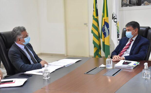 Evandro Alberto solicita ao Governador condições de existência para UESPI