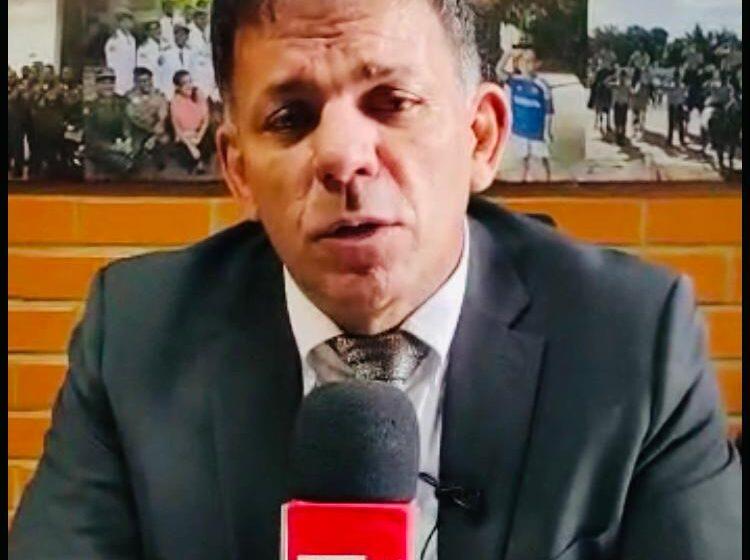 Deputado Carlos Augusto homenageia Cel. Jairo Freitas