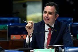 Governadores discutem com presidente do Senado preço do combustível nesta quinta-feira (21)