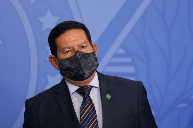 Presidente Bolsonaro exclui Vice-presidente Mourão da Conferência do Clima