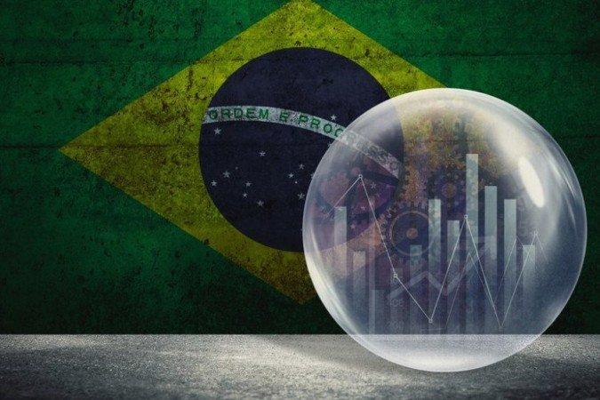Incerteza sobre covid faz FMI revisar para baixo crescimento do Brasil e do mundo
